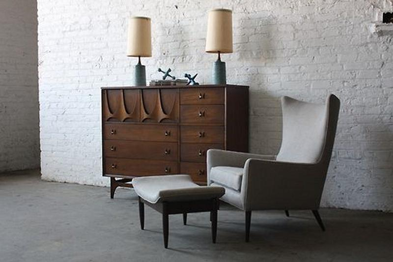 Are you terly impressed and enchanted by midcentury furniture, since of its nostalgic and post modern nature, the midcentury sideboards are simply exquisite. midcentury sideboards 10 Midcentury sideboards to your living room decor Paul McCobb MidCenitru Sideboard