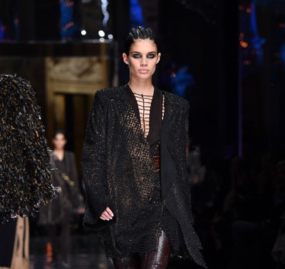 paris fashion week Paris Fashion Week: What to Expect BalmainRunwayParisFashionWeekWomenswearsqgJ 59KG zl