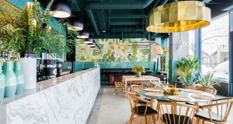 restaurant St Patrick's Day: RESTAURANT WITH A GREENERY-THEMED DECOR Industrial Style Restaurant with a Greenery Themed Decor 3 768x410