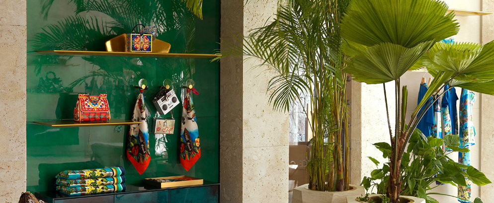 Midcentury modern interiors – Dolce and Gabbana opened a new boutique