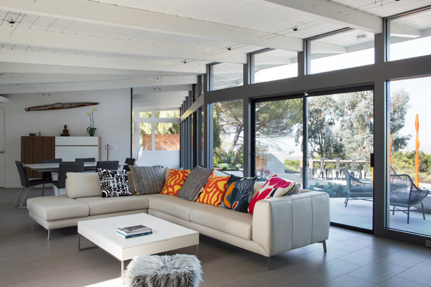 Discover this Mid-century traditional home