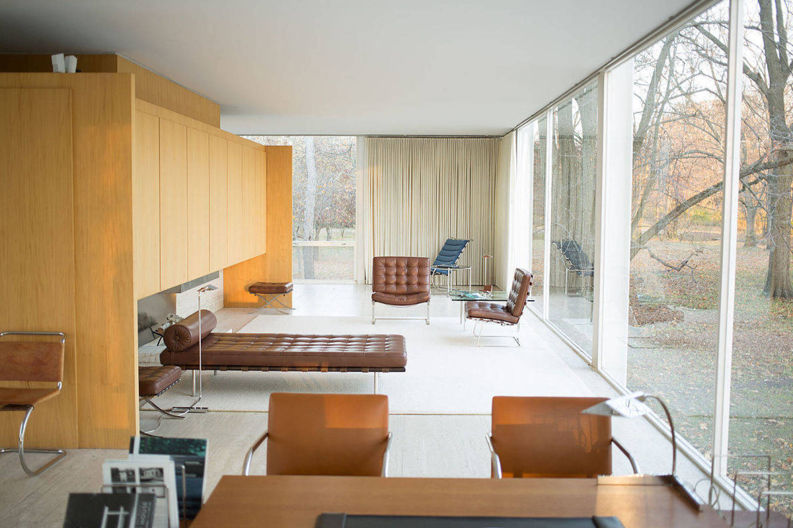 Mid-Century Modern Icons- The FarnsworthHouse by Mies van der Rohe