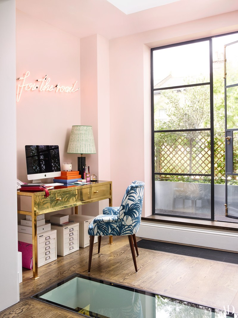 Poppy Delevingne poppy delevingne Poppy Delevingne Opens Her Chic, light-filled London Home Poppy Delevingne Opens Her Chic light filled London Home 3