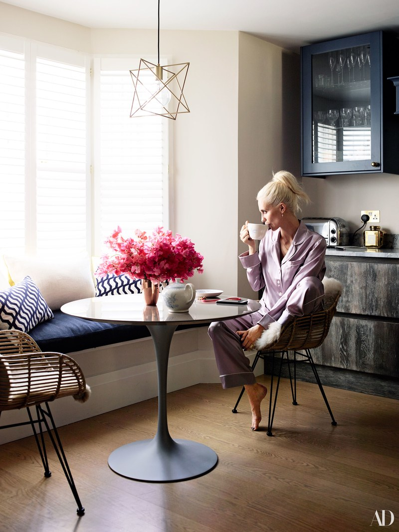 poppy delevingne Poppy Delevingne Opens Her Chic, light-filled London Home Poppy Delevingne Opens Her Chic light filled London Home 5 1