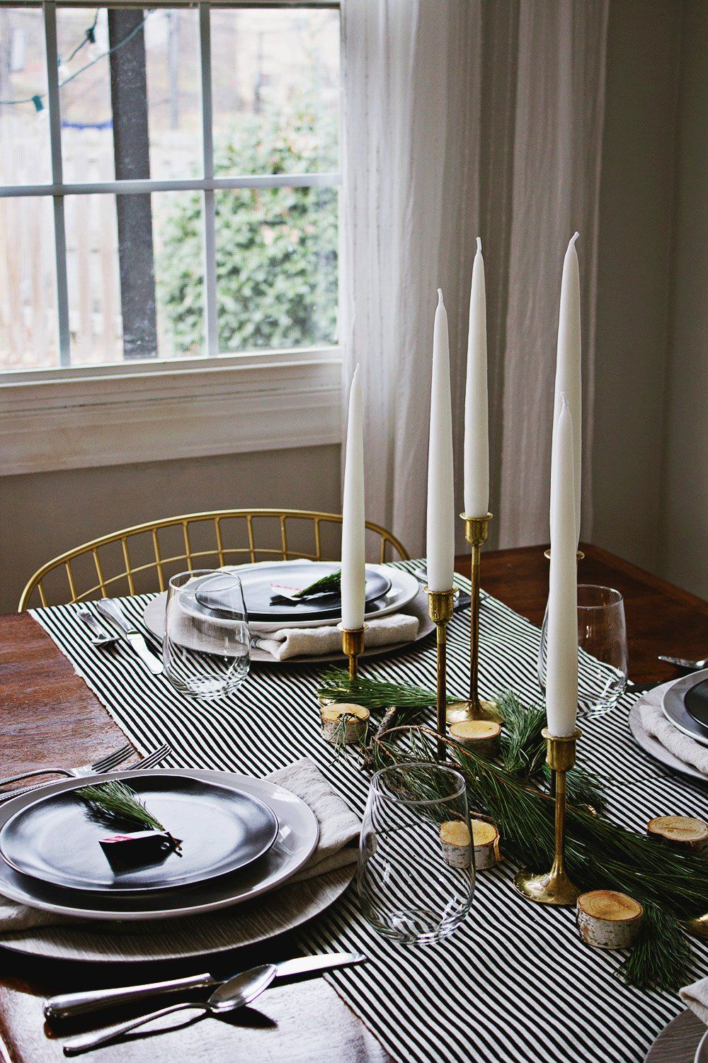 How to Do Christmas Table Decorations Like a Pro Just in Time