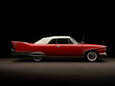 10 ICONIC AND CLASSIC VINTAGE CARS