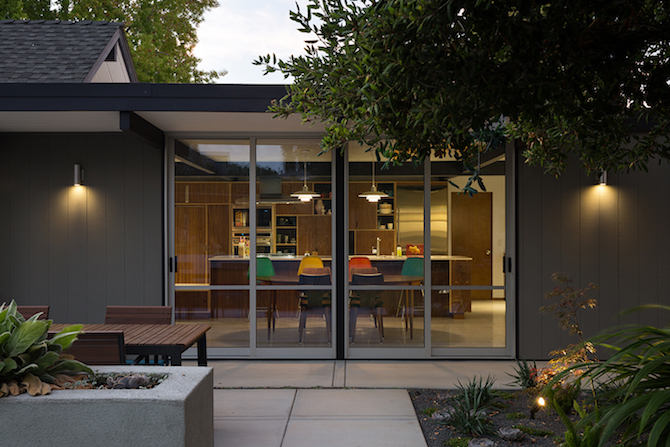 Bringing Mid-century Modern style to a Silicon Valley Home_1407 mid-century modern Bringing Mid-century Modern style to a Silicon Valley Home Bringing Mid century Modern style to a Silicon Valley Home 1407