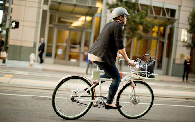 Give a Retro Look to a Modern Eletric Bike_P8_Lifestyle_4 retro look Give a Retro Look to a Modern Electric Bike Give a Retro Look to a Modern Eletric Bike P8 Lifestyle 4