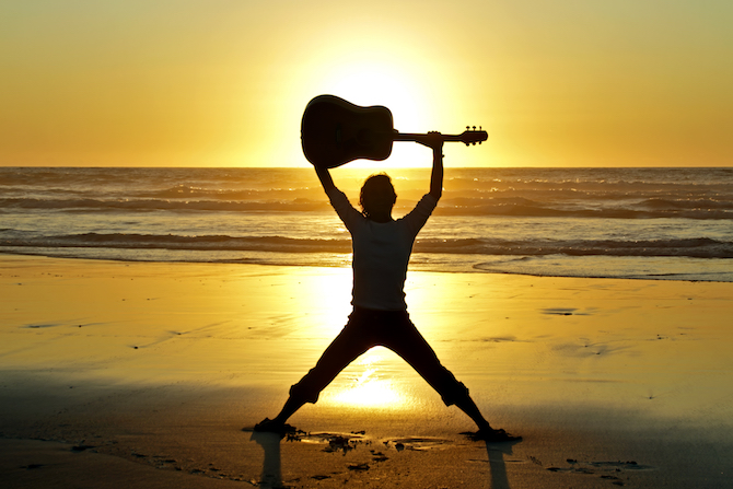 Top 5 Retro Summer Soundtracks_guitar summer soundtracks Top 5 Retro Summer Soundtracks Top 5 Retro Summer Soundtracks guitar