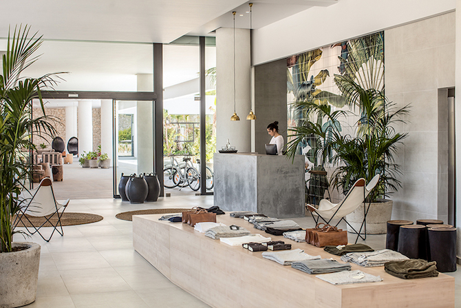 russian artist karina eibatova creates magical jungles inspirations essential home. Black Bedroom Furniture Sets. Home Design Ideas