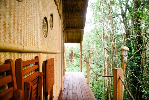 hawai-kristie-3 house Designer builds incredible self-sustaining house in Hawaii House hawai Kristie 3