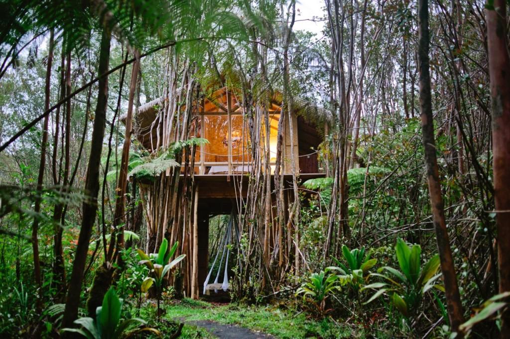 hawai-kristie-7 house Designer builds incredible self-sustaining house in Hawaii House hawai Kristie 7 1024x682