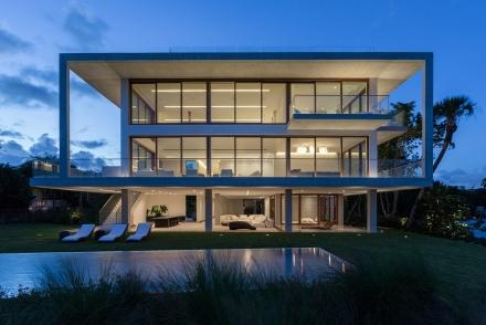 Casa Bahia: A bit of Brazilian modernism in Miami