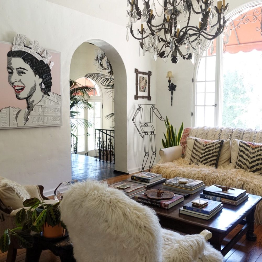 BOHEMIAN INSPIRATION IN A FAMILY'S ART - FILLED CALIFORNIA DREAM HOME dream home BOHEMIAN INSPIRATION IN A FAMILY'S ART – FILLED CALIFORNIA DREAM HOME 01 DS1 1000x1000