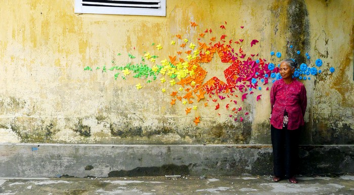 Street art: French artist colors the cities with origamis street art Street art: French artist colors the cities with origamis Street art French artist colors the cities with origamis 3