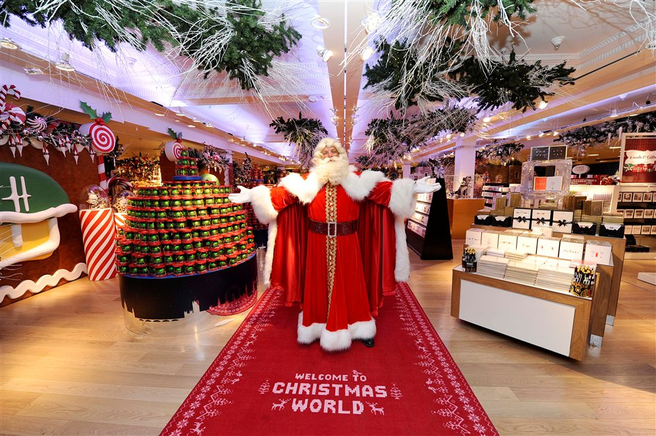 Christmas stores 5 STUNNING CHRISTMAS STORES TO VISIT IN LONDON harr
