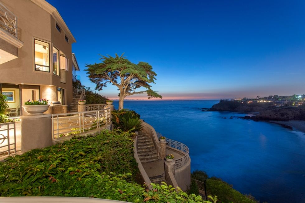 Discover 10 Most Beautiful Views From Homes To Get