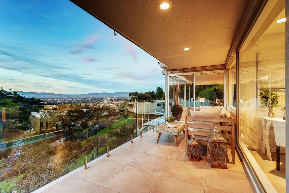 DISCOVER 10 MOST BEAUTIFUL VIEWS FROM HOMES TO GET INSPIRED!  10 MOST BEAUTIFUL VIEWS DISCOVER 10 MOST BEAUTIFUL VIEWS FROM HOMES TO GET INSPIRED! sherman oaks 1488819709