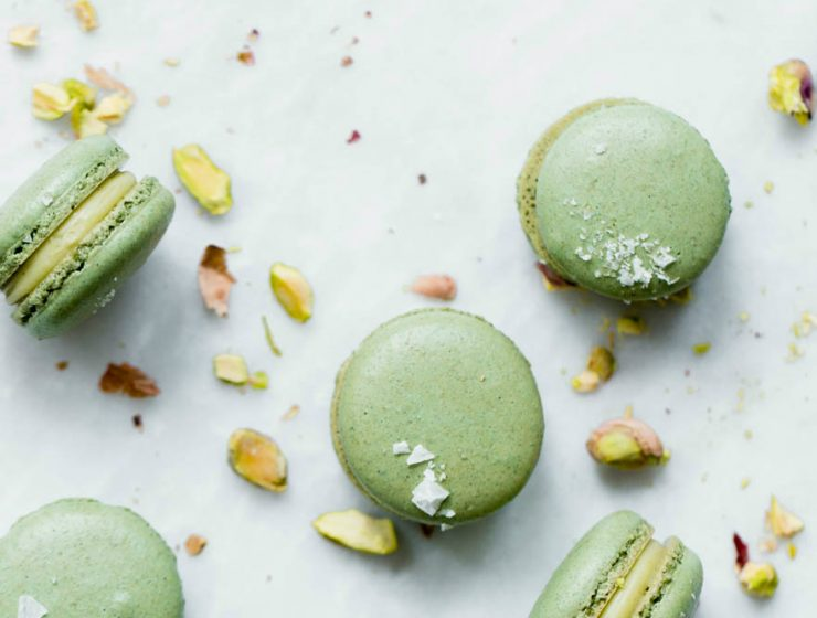 pistachio Pistachio color in interior design White Chocolate Pistachio Macarons 740x560