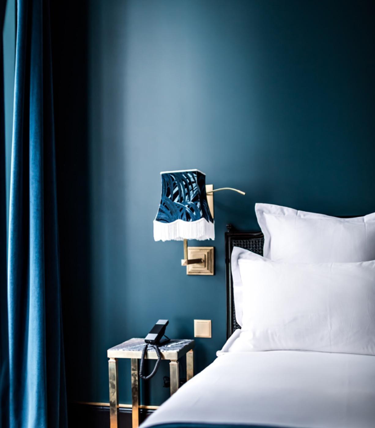 "blue color in interior Blue color in interior: 5 arguments ""for"" sininen"