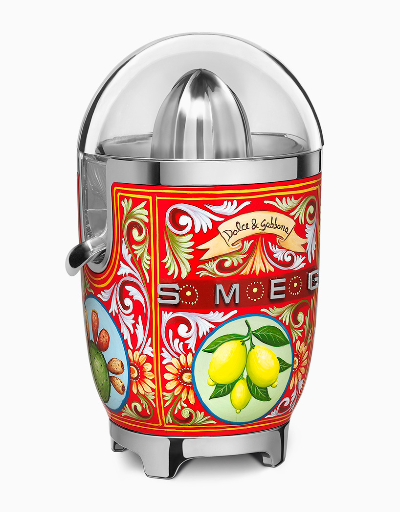 Dolce & Gabbana and Smeg Kitchen Appliances For Your Luxe Kitchen_1 smeg kitchen appliances Dolce & Gabbana and Smeg Kitchen Appliances For Your Luxe Kitchen Dolce Gabbana and Smeg Kitchen Appliances For Your Luxe Kitchen 1