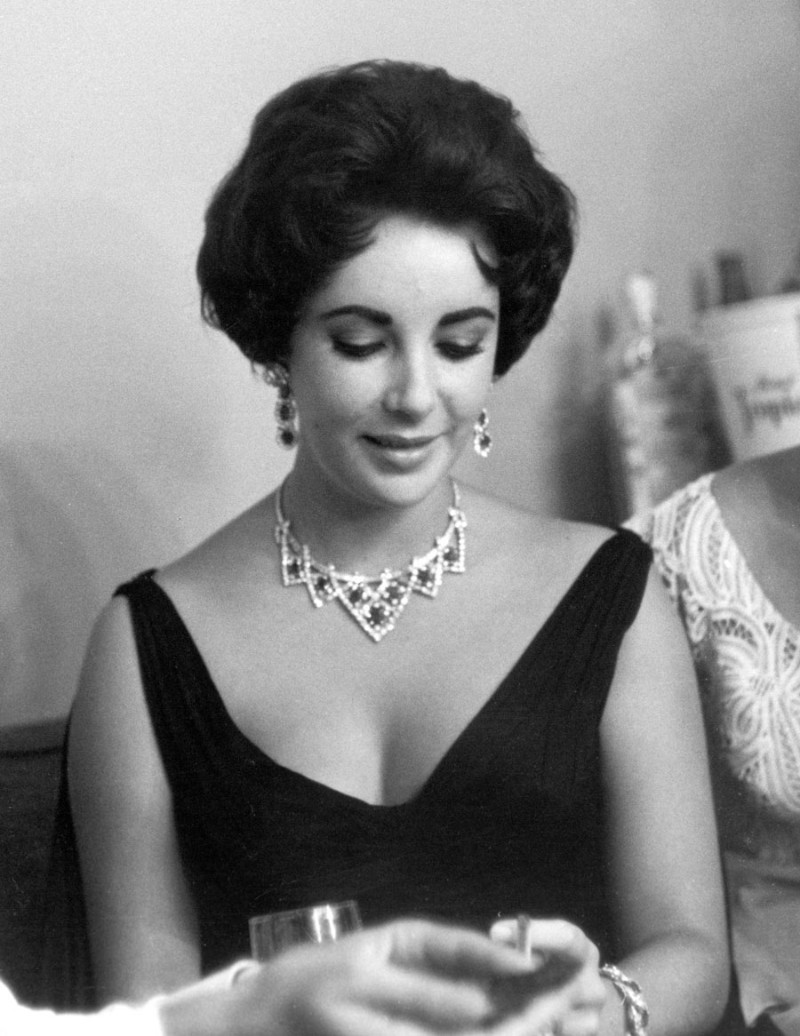 What Made These Women the Biggest Fashion Icons of the 20th Century fashion icons What Made These Women the Biggest Fashion Icons of the 20th Century cartier elizabeth taylor