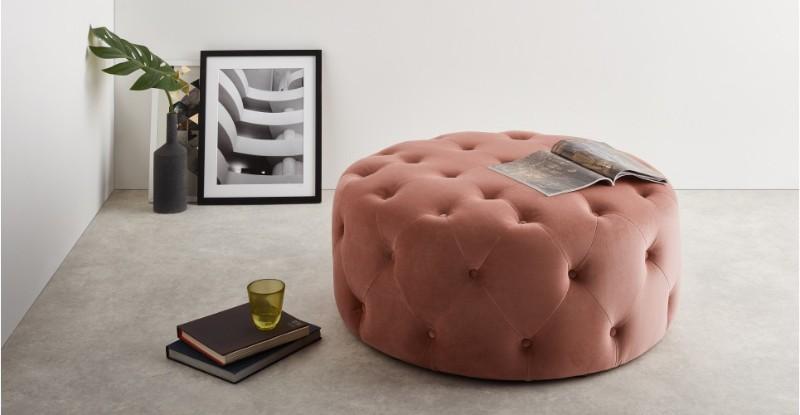 How to Make Velvet Furniture Work in Your Summer Home Decor velvet furniture How to Make Velvet Furniture Work in Your Summer Home Decor 2aa606814d1aab7394b485427b88bef4bddafd70 OTOHMN004PNK UK HAMPTON Large Round Pouffe Velvet Blush Pink LB02