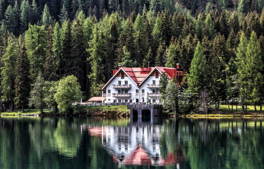 A Swedish Tradition Between Summer Houses and Amazing Landscapes