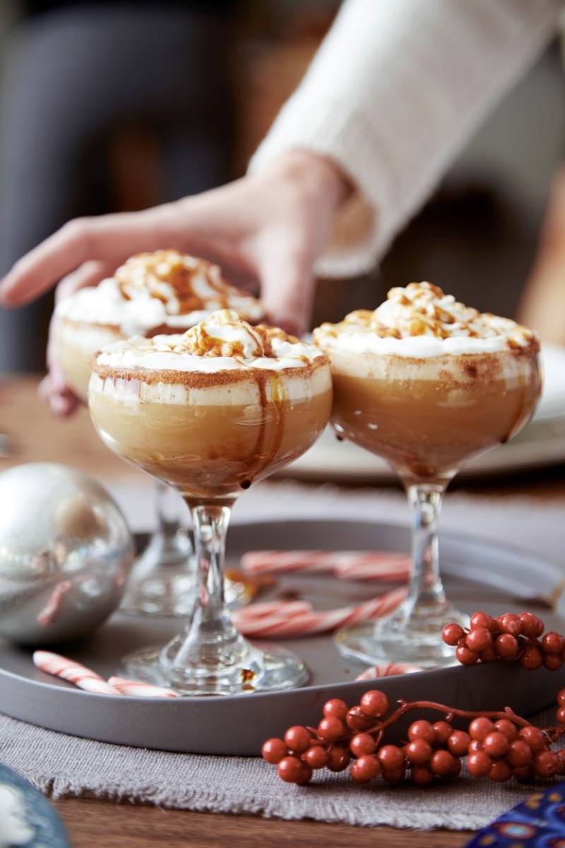 Let Yourself Be Warmed This Winter By These Christmas Cocktails christmas cocktails Let Yourself Be Warmed This Winter By These Christmas Cocktails 3