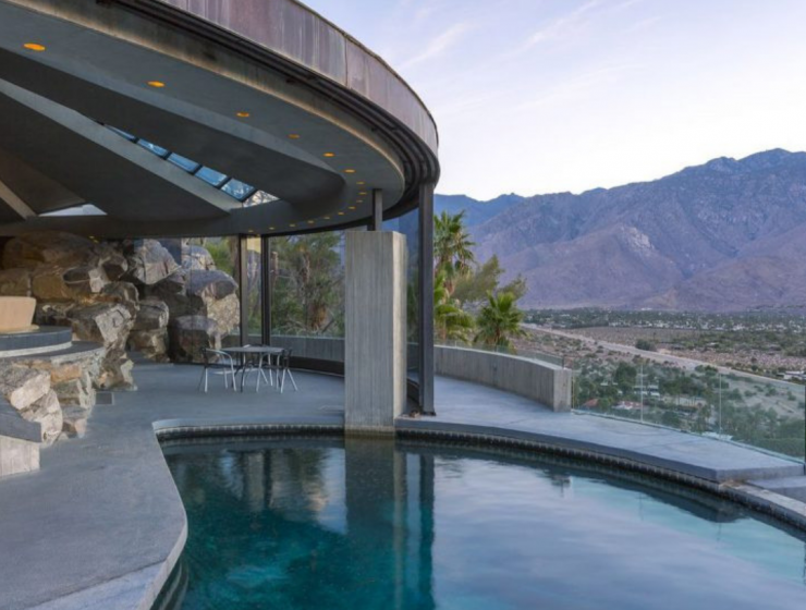 8 Mid-Century Homes In Palm Springs To Inspire You