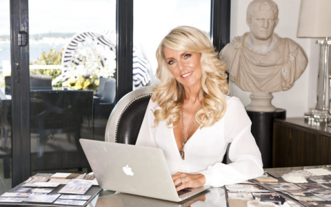 Celia Sawyer_ An Inspiring Interview With The UK Top Interior Designer_feat top interior designer Celia Sawyer: An Inspiring Interview With The UK Top Interior Designer Celia Sawyer  An Inspiring Interview With The UK Top Interior Designer feat 1 480x300