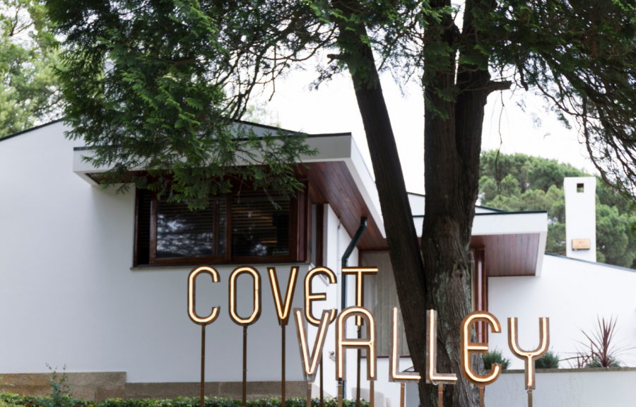 Covet Valley: The Mid-Century Capsule That Will Make You Travel Back In Time mid-century Covet Valley: The Mid-Century Capsule That Will Make You Travel Back In Time Foto de Capa Artigos 900x576  Homepage Foto de Capa Artigos 900x576
